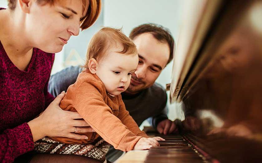 parents enfant decouverte instrument